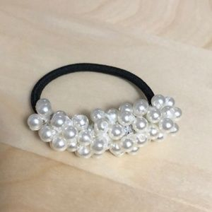 3FOR$15 So Many Pearls Hair Tie